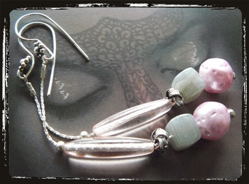 Lungi orecchini pendenti rosagrigio