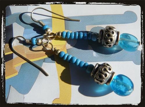 orecchini azzurri conperline