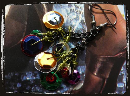 orecchini con catena nera epagliette