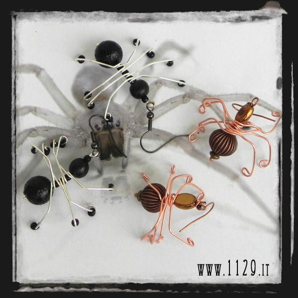 LLRAGNI orecchini ragno nero e rame black and copper spiders mobile earrings 1129