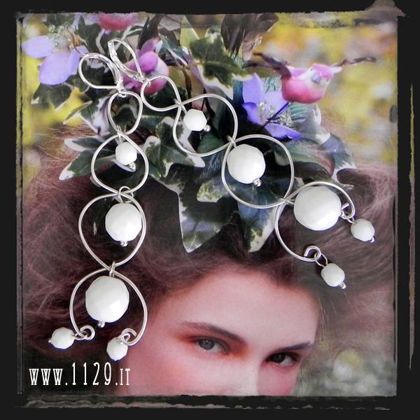 MCWIBI orecchini argento wire perle sfaccettate bianche white silver wire earrings
